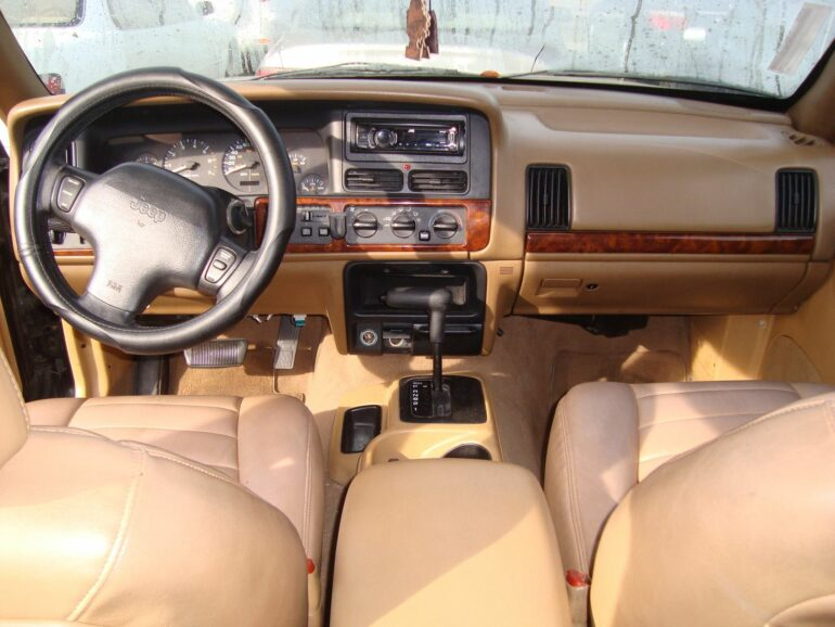 1999 jeep wj grand cherokee interior