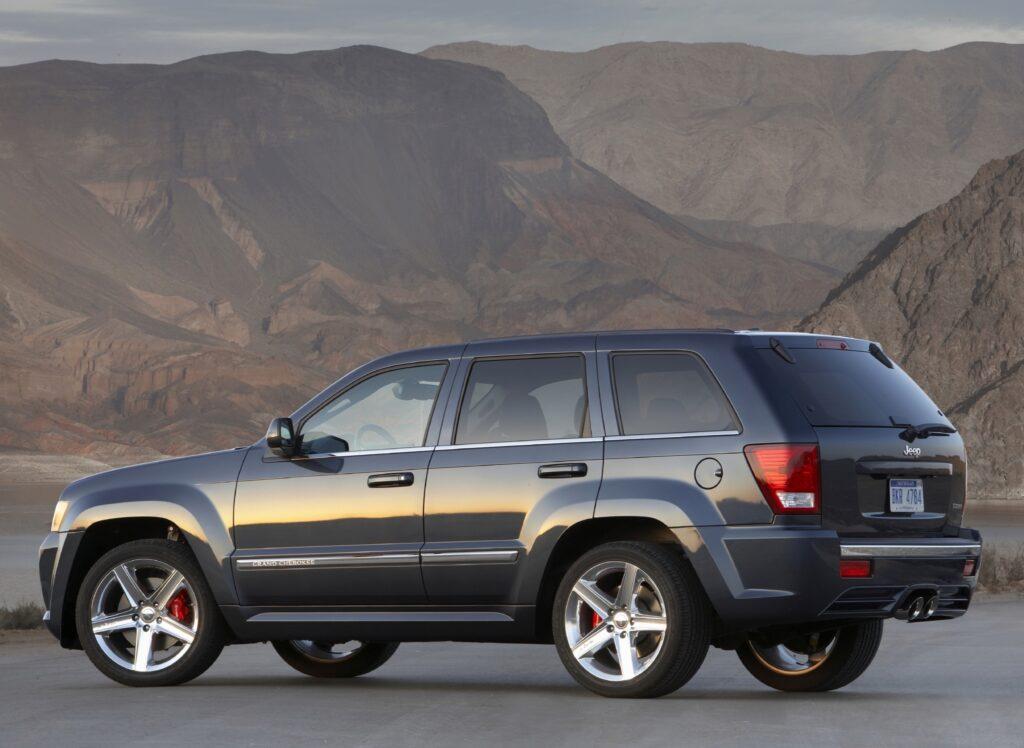 2006 Jeep Grand Cherokee wallpapers