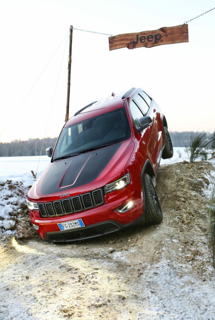 2016 Jeep Grand Cherokee wallpapers