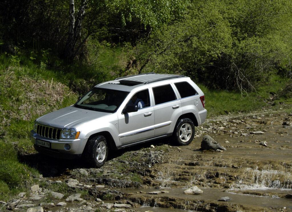 2003 Jeep Grand Cherokee wallpapers