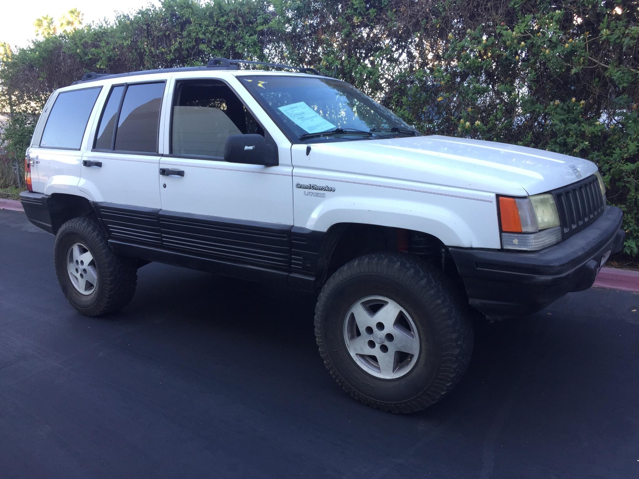 1995 White Grand Cherokee Laredo