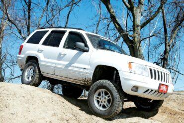 2000 Stone White Jeep Grand Cherokee
