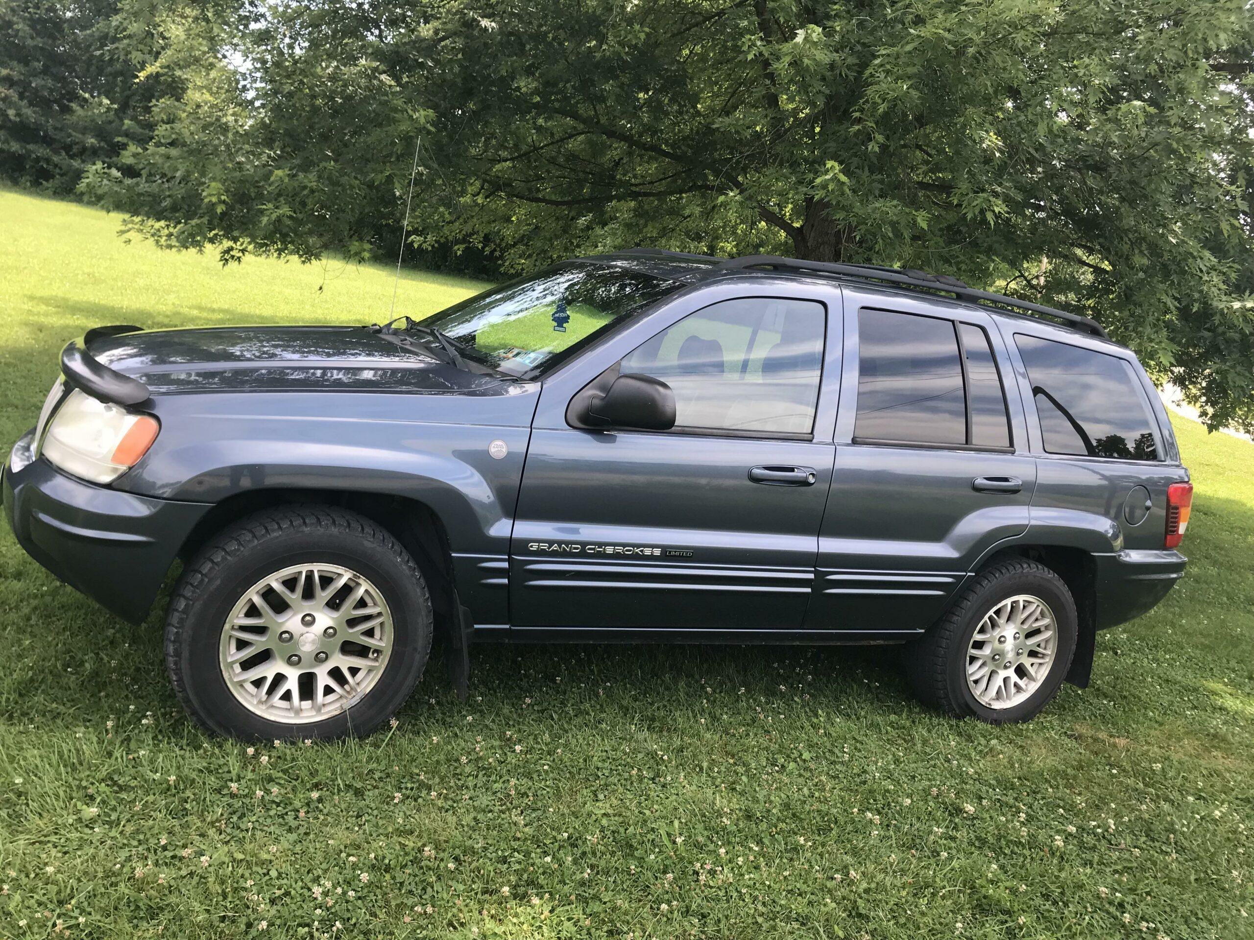 2004 Steel Blue Grand Cherokee