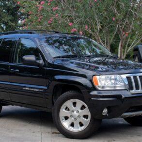 2004 Brilliant Black Grand Cherokee