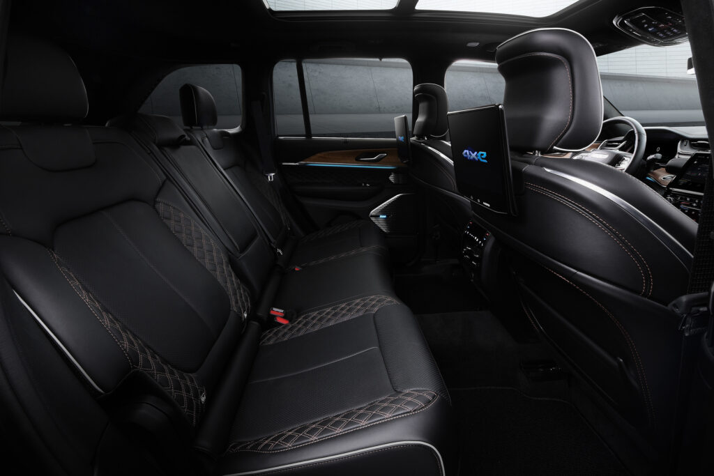 All-new 2022 Jeep® Grand Cherokee interior